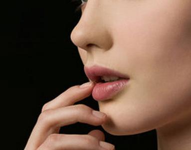 注射玻尿酸隆鼻有哪些优势呢